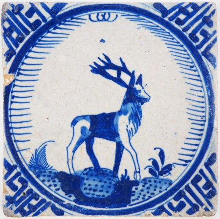 Antique Delft 'Crown' tile with a beautiful stag in blue, 17th century Rotterdam