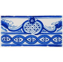 Antique Delft border tile in blue with a chain pattern, 19th century