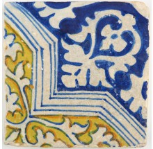 Antique Dutch ornament tile dating from the very beginning of the Dutch tile industry, 16th century
