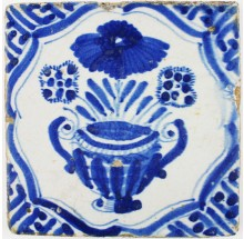 Antique Delft tile in blue with a wonderful flower pot inspired by Chinese porcelain, 17th century