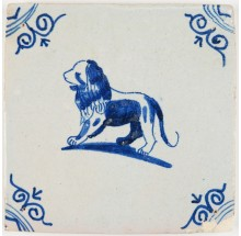Antique Delft tile with a beautiful lion in blue, 17th century
