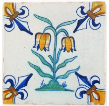 Antique Delft tile with a polychrome Snake's head (Fritillaria meleagris), 17th century